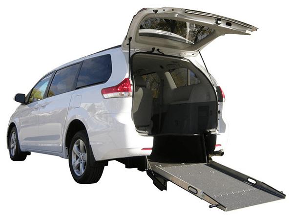 Rear Entry Conversion | Toyota Sienna | Savaria